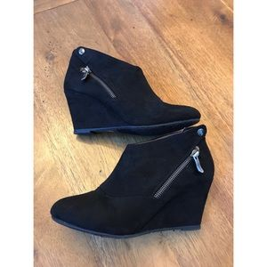 CL by Chinese Laundry Black Valerie Wedge Booties